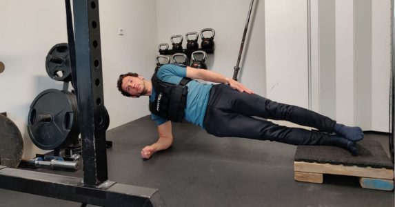 elevated side plank